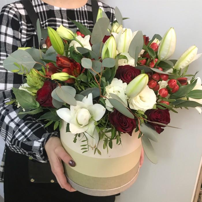 Увеличить - Шляпная коробка с цветами 7