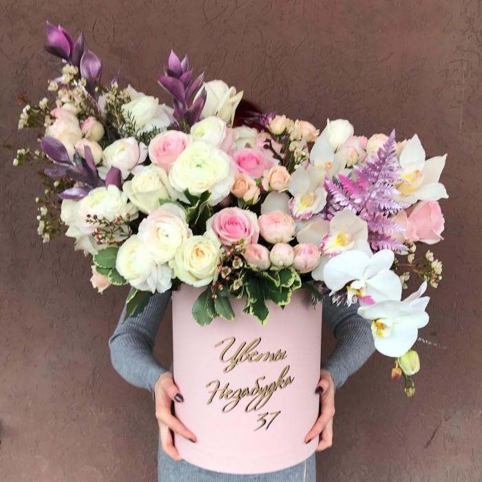 Увеличить - Большая коробка с цветами